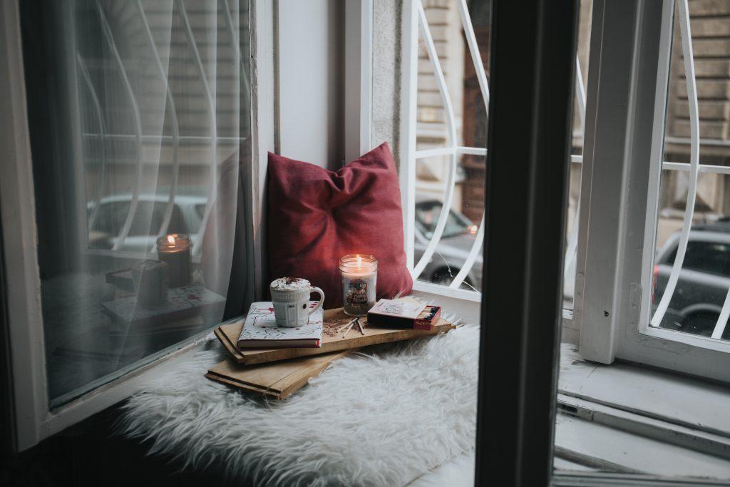 ซฟาเบด-เทียนหอม-กาแฟ-หนังสือ